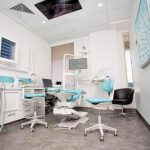Perth Dentistry room with chairs, tables, computer, monitor screens, and all the stuffs used by dentist which is considered as one of the dental clinic of eDental Perth.
